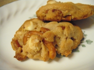 Double White Chocolate and Pretzel Peanut Butter Cookies 4